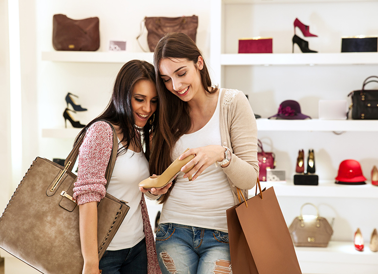 Your credit card during the sales: friend or foe?